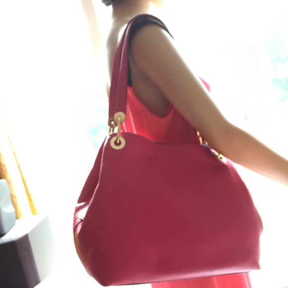 c70912a3f4e1c9 Michael Kors Bags | Raven Large Leather Shoulder Bag | Poshmark